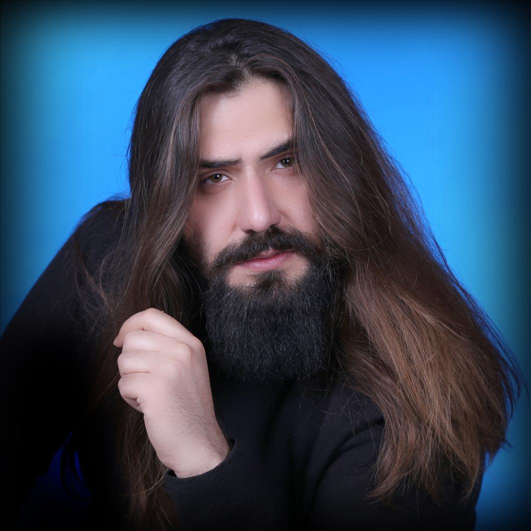 مرتضی دشتی خواننده پاپ ایراین در استودیو الیزه جهت عکاسی کاور موسیقی عکاس سهراب نعیمی