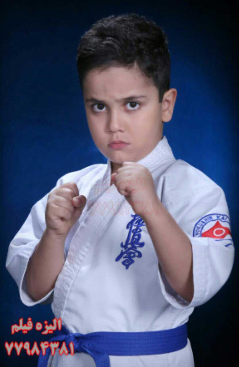 عکس ورزشی رزمی کاراته سبک کیوکوشین توس مهندس سهراب نعیمی در استودیو آتلیه عکاسی الیزه