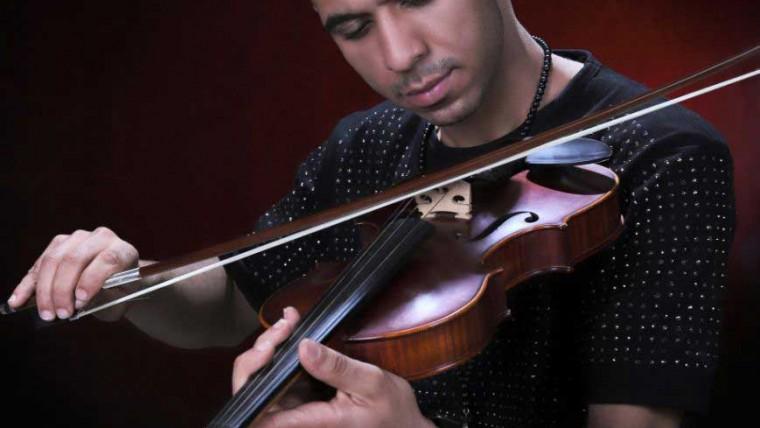 شهرام مظهری خواننده پاپ
